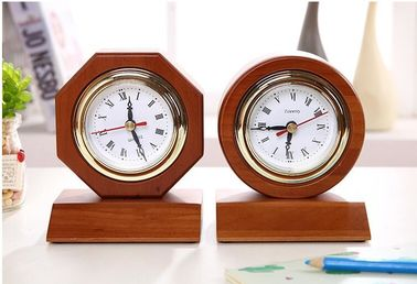 China Digital Type Wooden Alarm Clock Home Decoration Use in 185*185*35mm Size supplier