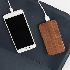 China Bamboo Design Wooden Phone Charger 6000mAh Capacity OEM / ODM Supported distributor