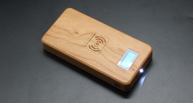China Samsung & iPhone Wooden Qi Power Bank , Mobile Phone 12000mAh Wireless Charging Bank factory