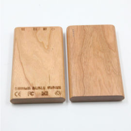 China Wood Shell Mobile Power Bank 6000mAh Battery Capacity for Cell Phone distributor