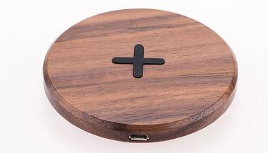 China Round Qi Standard Universal Wood / Bamboo Wireless Charger Charging Pad distributor