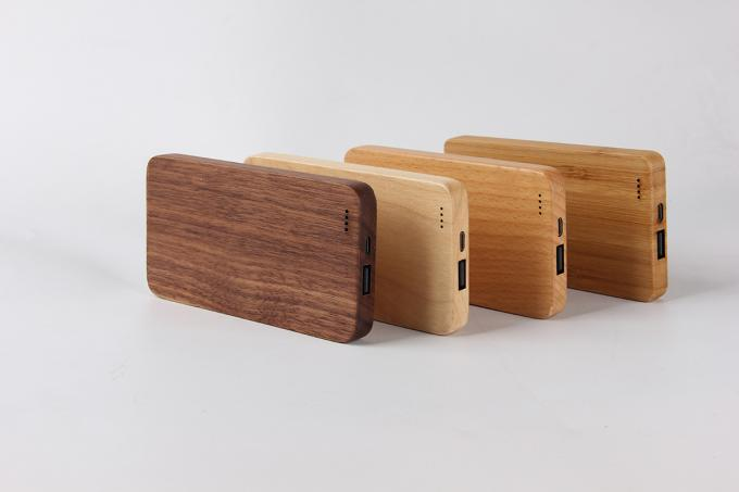 Bamboo Design Wooden Phone Charger 6000mAh Capacity OEM / ODM Supported