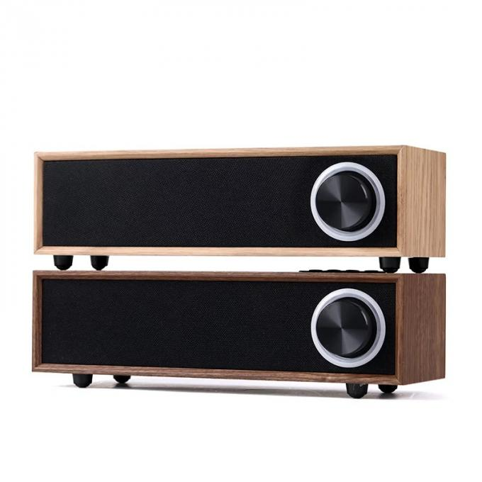 Rechargeable 5W 4 Ohm Wooden Bluetooth Speaker , Customized Passive Portable Speaker